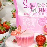 strawberry-milkshake-cupcake-with-sugar-and-crumbs-600x600